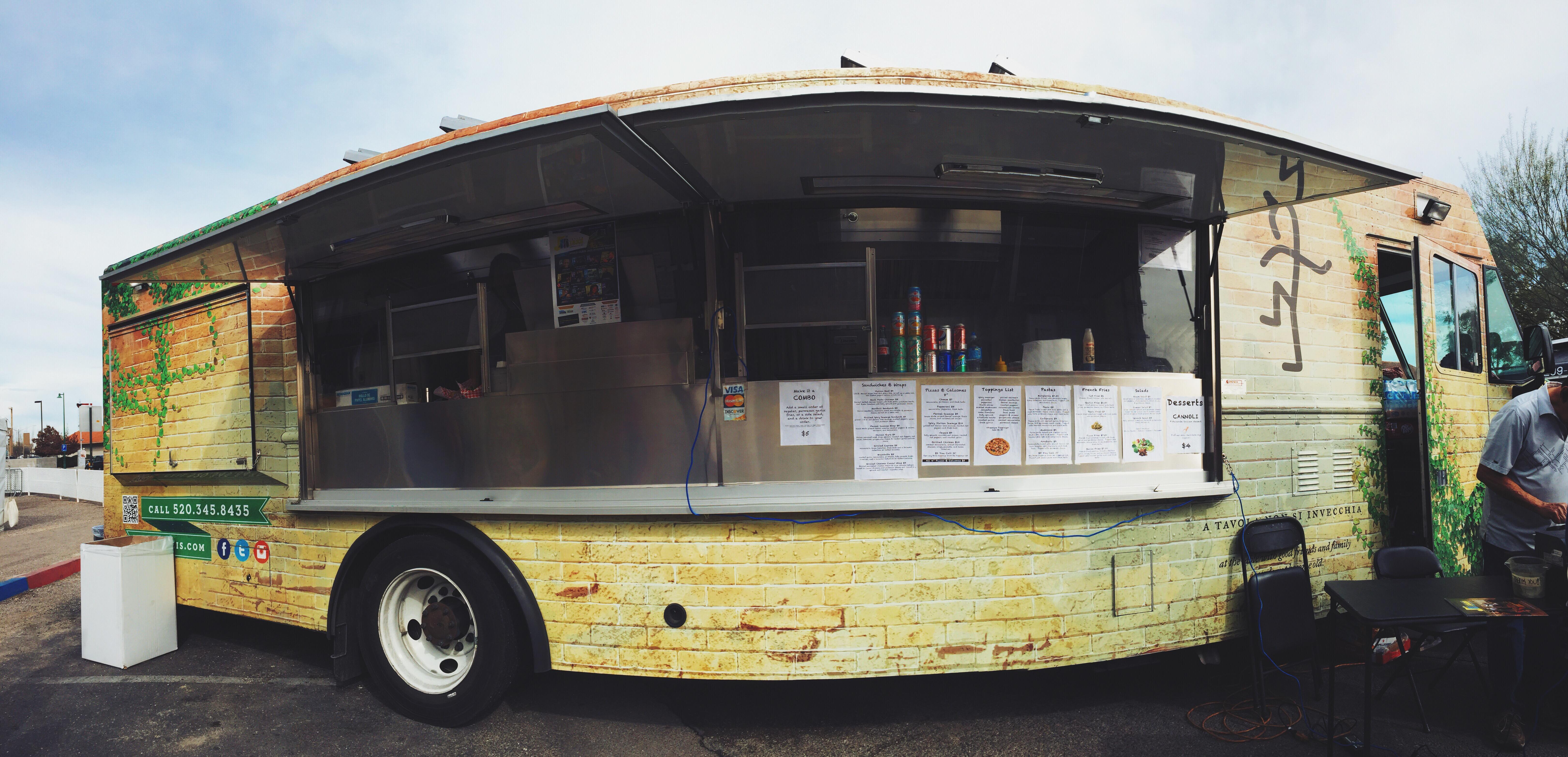 Jozarelli's Food Truck
