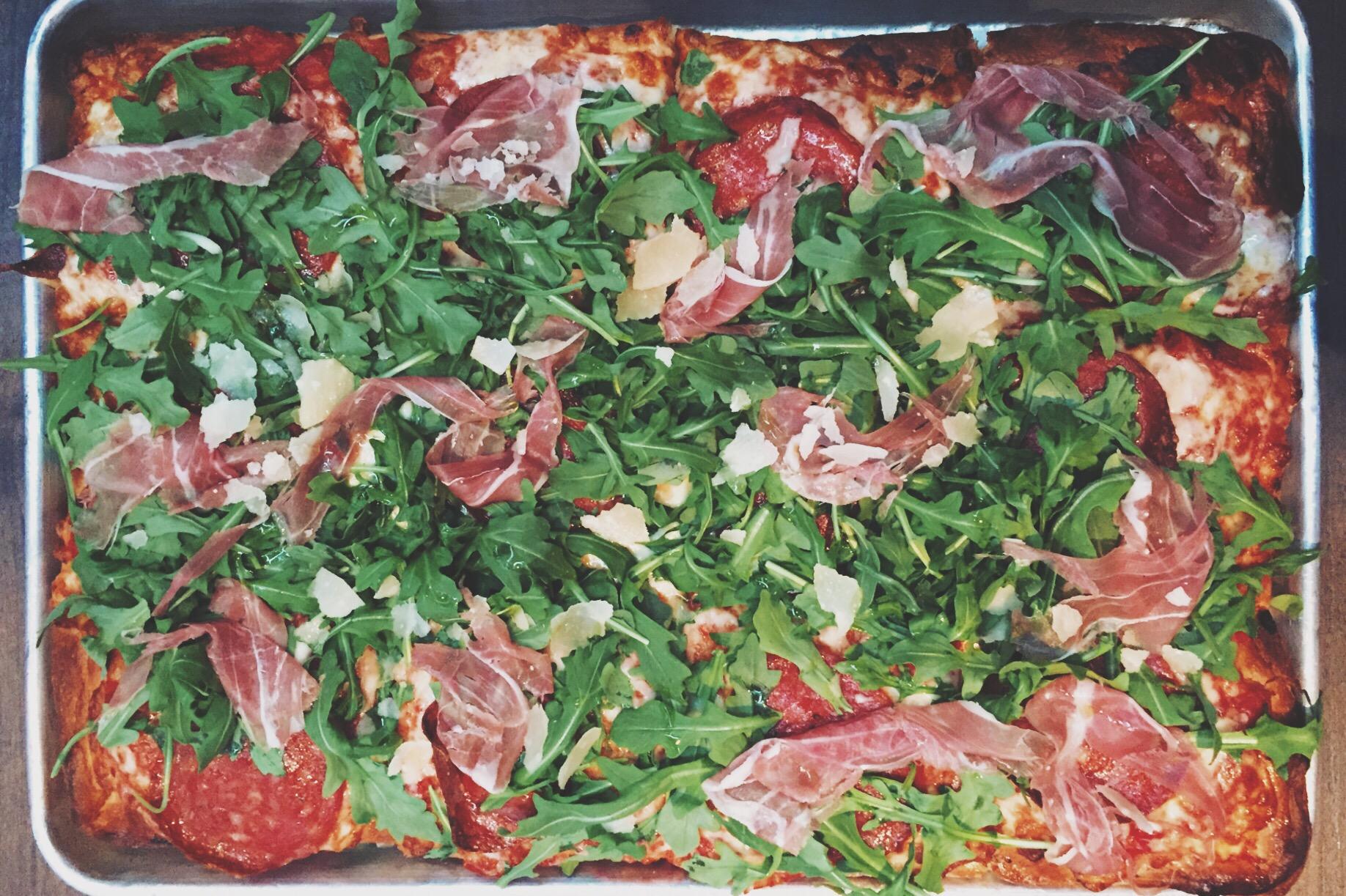 Whole La Regina  Pizza - Pizza Rock Las Vegas
